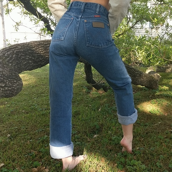 1f88d55a Vintage Wrangler High-Waist Indigo Denim Jeans. M_5ab2e37bd39ca2aeab8efbe4